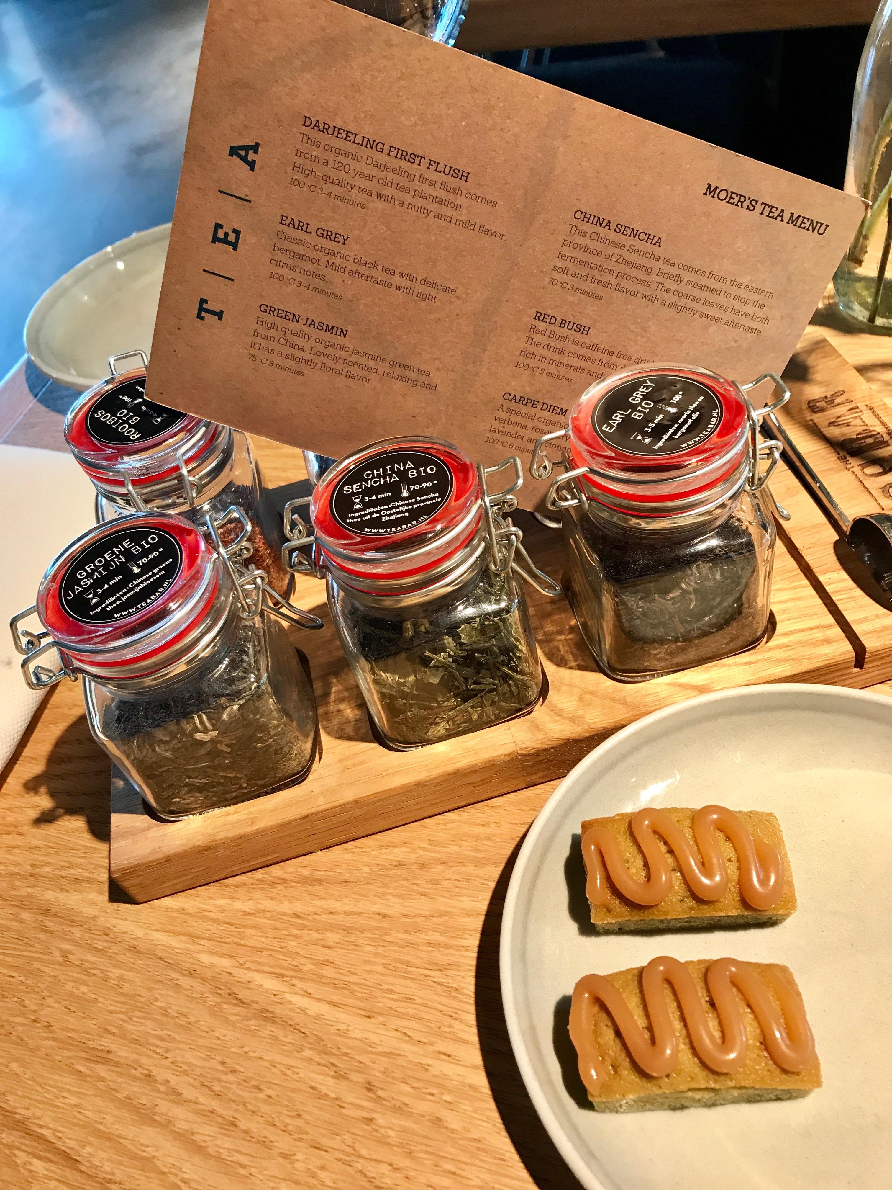 de Tea Bar theeplank bij restaurant MOER