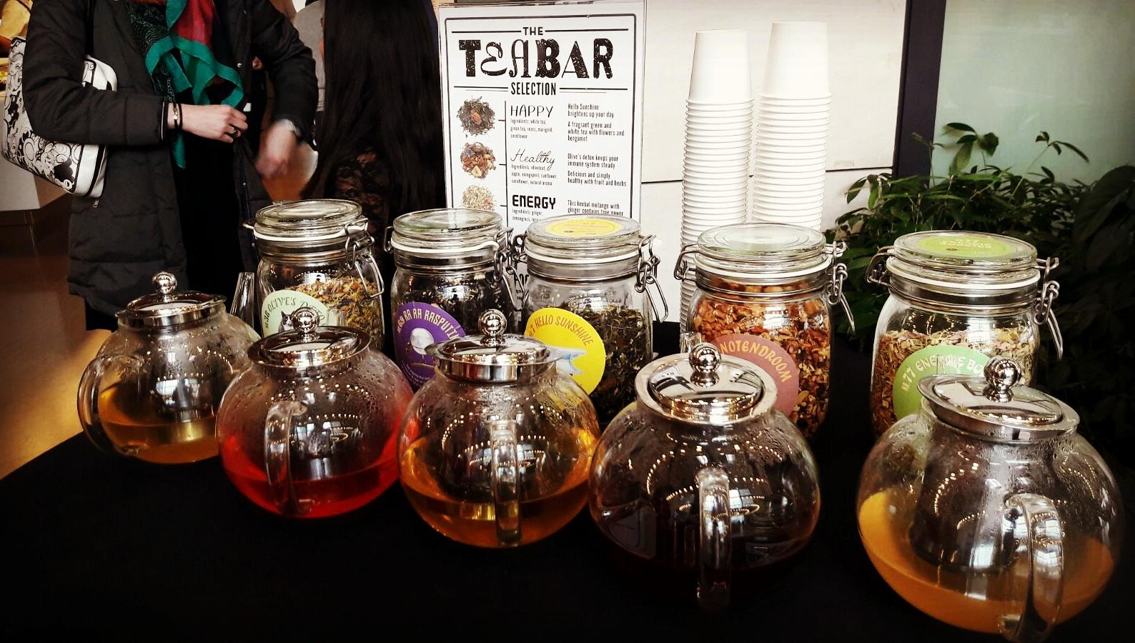 Tea Bar thee proeverij op the werk bij Liberty Global